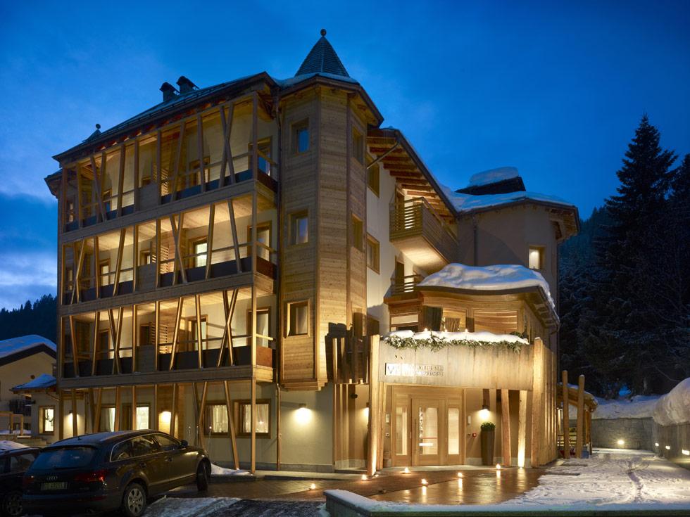 Dolomiti luxury hotels madonna di campiglio lusso boutique for Boutique hotel 4 stelle roma